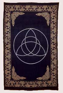 Triquetra Tapestry (72x90)