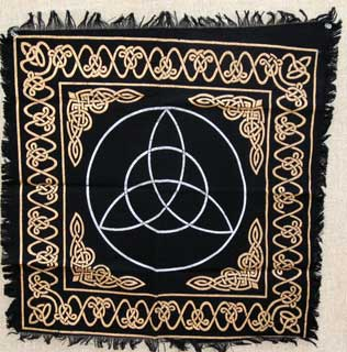 Triquetra Altar Cloth (24x24)