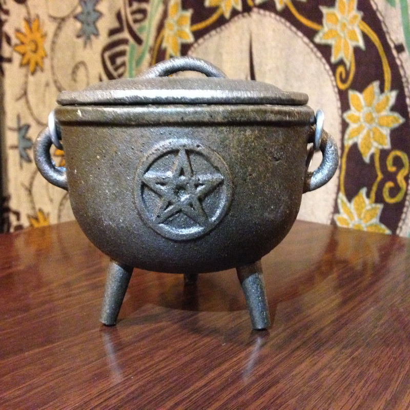 Pentagram Cast Iron Cauldron w/Lid