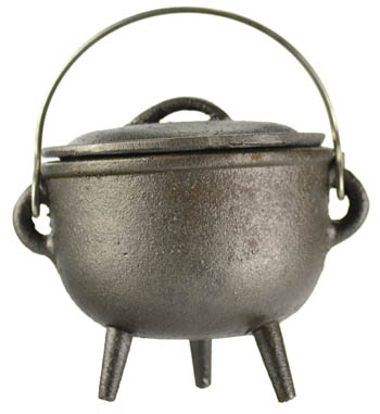 Plain Cast Iron Cauldron w/Lid