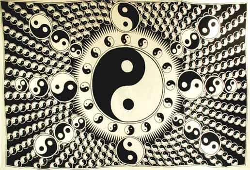 White and Black Yin Yang Tapestry (72x108)