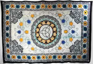 Flower Triquetra Tapestry (72x108)